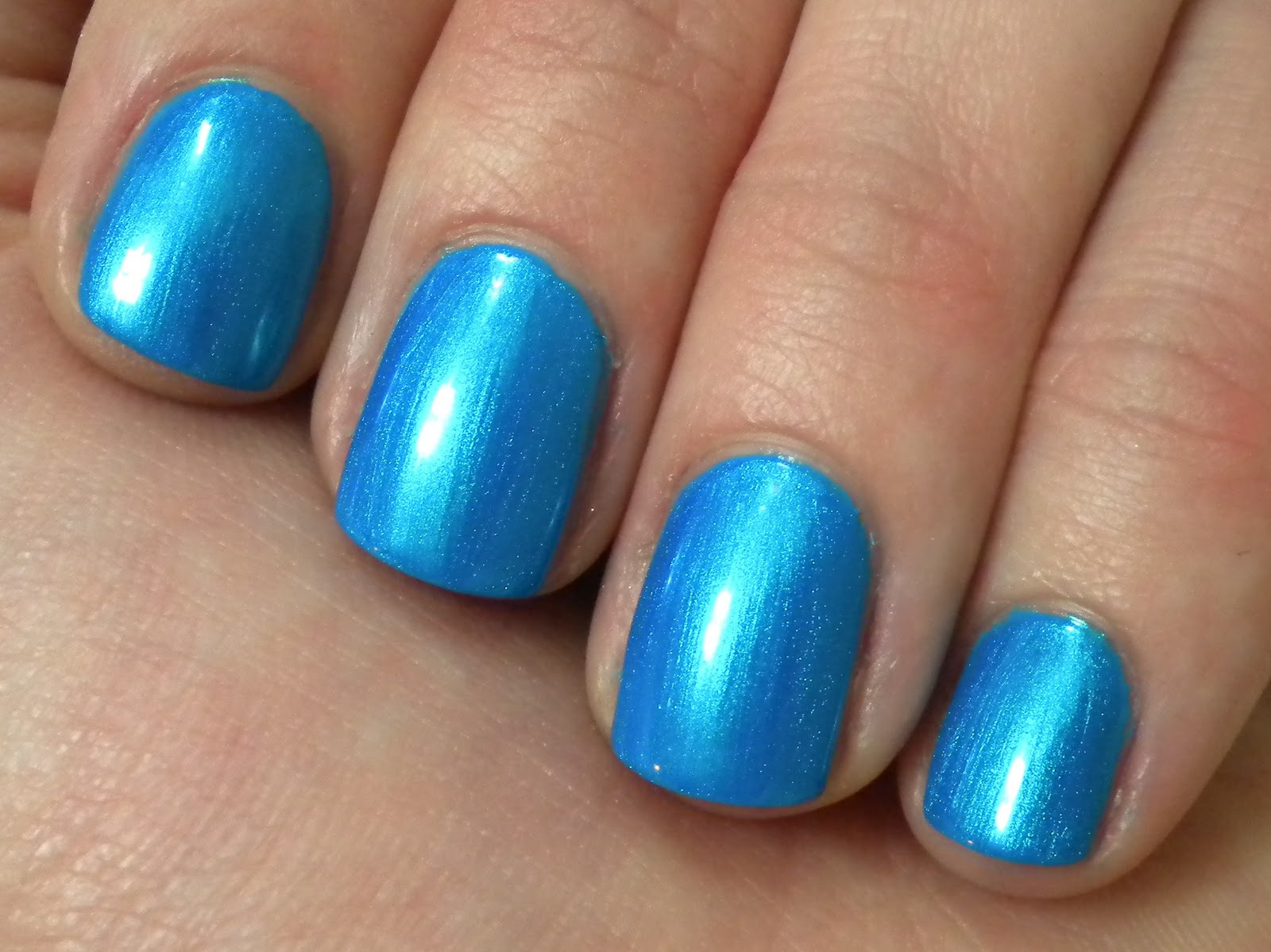 An Amateur\'s Nail Obsession: Sinful Colors-Love Nails