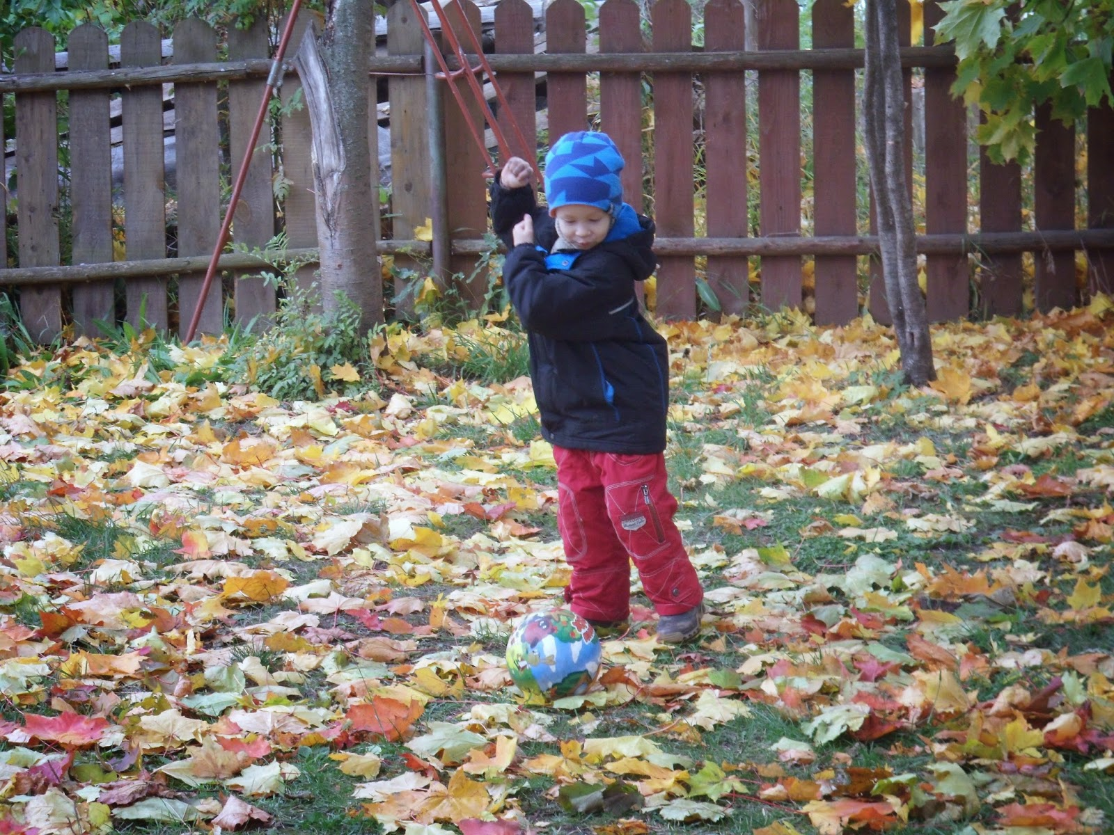 А этот юный футболист мой сын младший