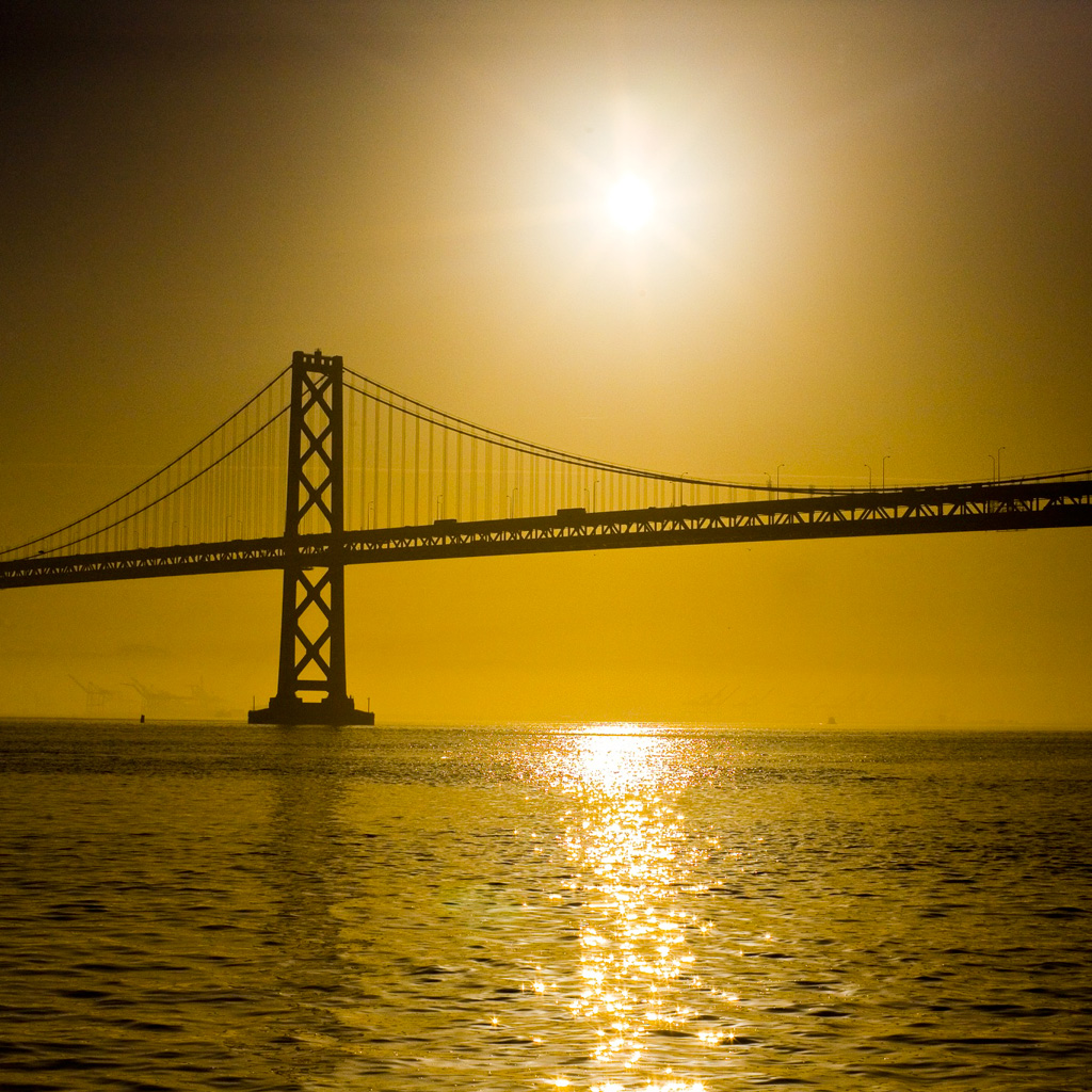 http://2.bp.blogspot.com/-vuydL3eUgig/TsNij2DdruI/AAAAAAAAAd8/5rtCy0S_yYU/s1600/thomas-hawk-bay-bridge-sunrise-ipad-wallpaper.jpg
