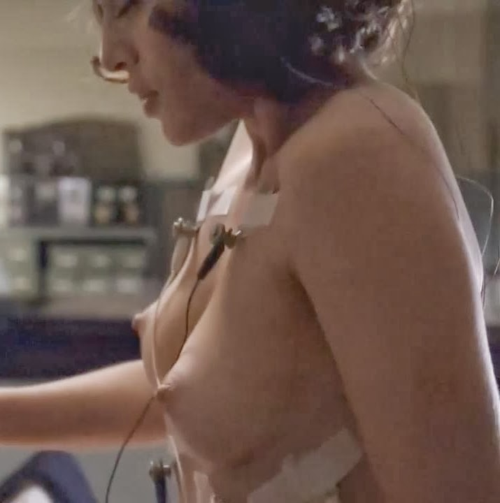lizzy caplan topless