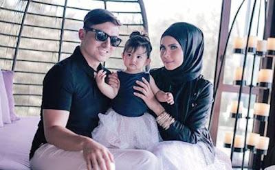 Foto Che Ta Dan Zain Saidin Rai Ulangtahun Perkahwinan Di Phuket