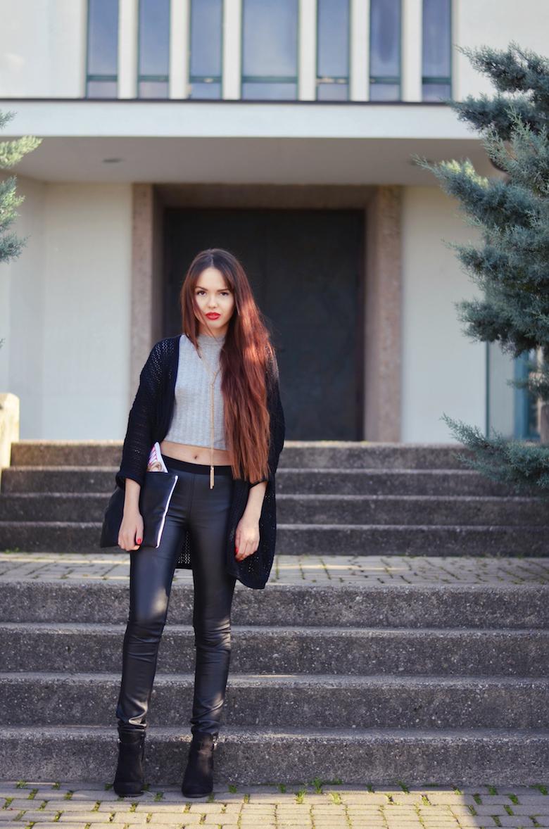 viktoriasarina outfit schwarze lederhose crop top. Black Bedroom Furniture Sets. Home Design Ideas