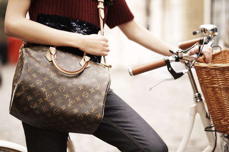 Louis Vuitton Speedy Bandouliere Bag - 800 x 533  116kb  jpg