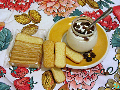 Yoghurt, uva sultanina e Pavesini
