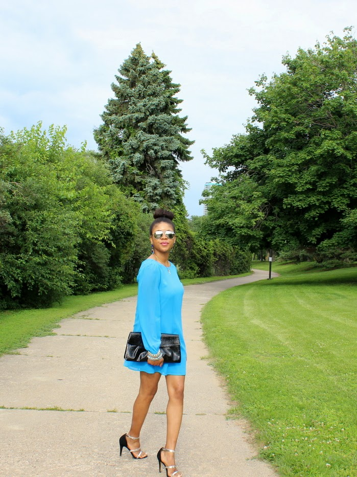 marciano blue silk dress, silk dress, styleoptimist silk dress, mirrored sunnies, minneapolis blogger, zara sandals, jcrew blue earrings, j crew blue crystal earrings