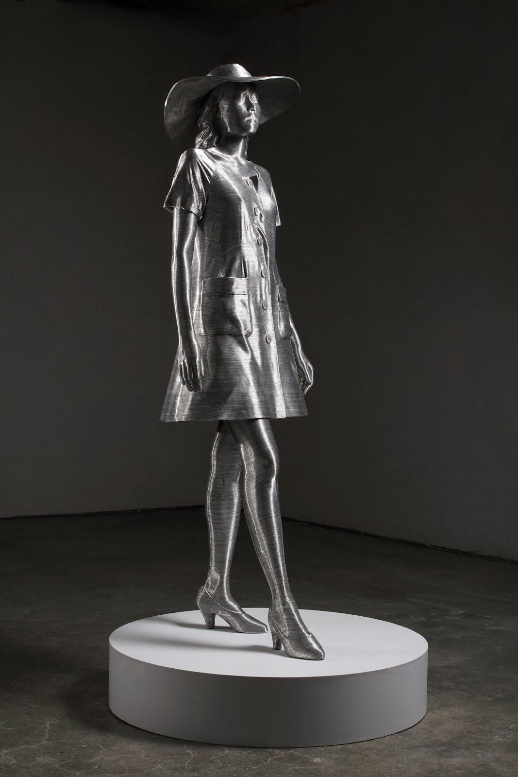 09-Park-Seung-Mo-South-Korean-Artist-&-Sculptor-Wire-Sculpture-www-designstack-co