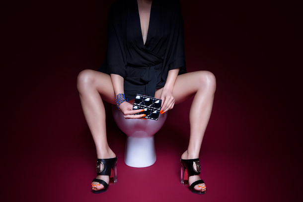 Lady in the Loo | Plastik Magazine | © Eli Rezkallah  w. Luka Ukropna & Ryan Houssari