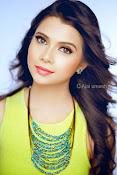 Shreya gupta new glamorous photos-thumbnail-4