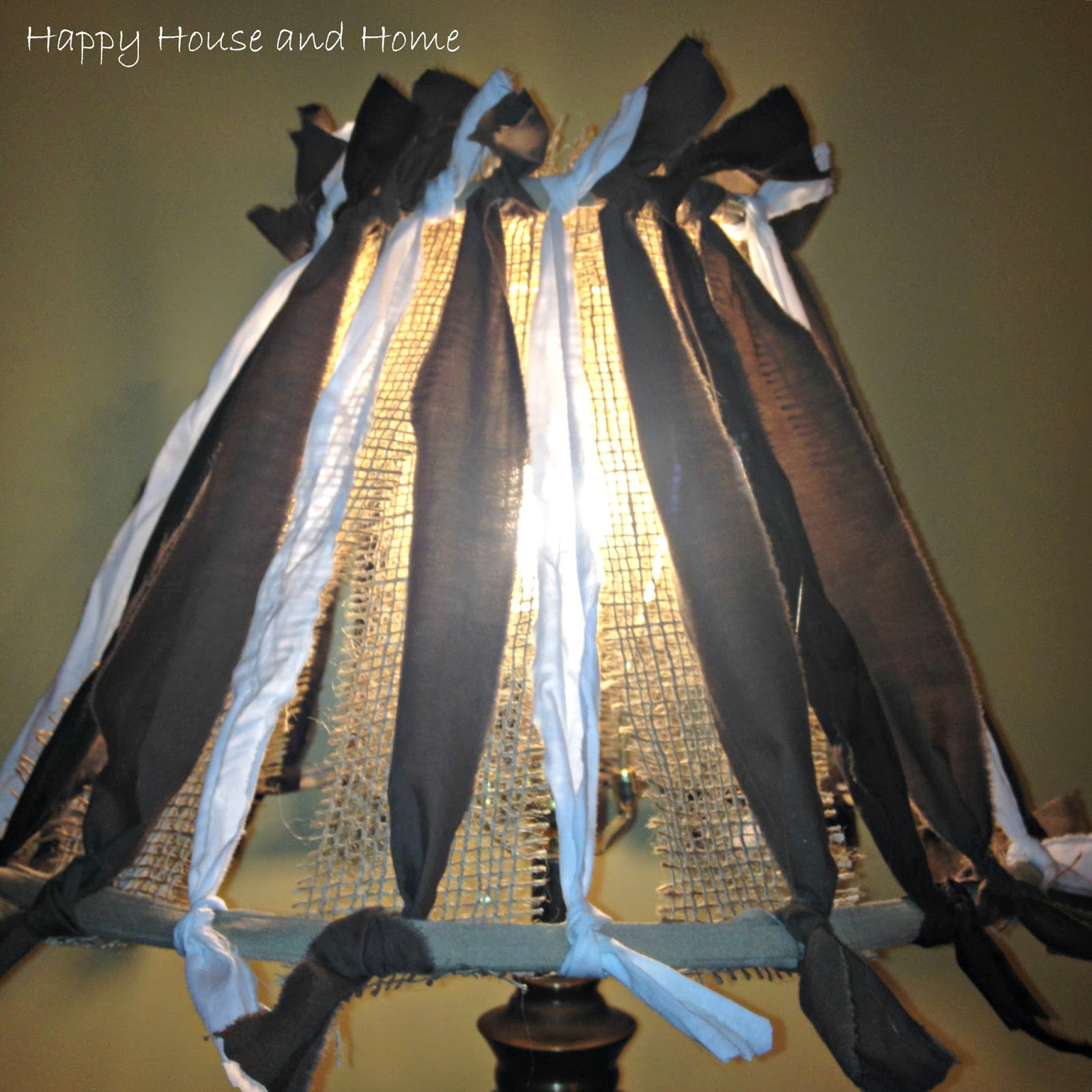 DIY lampshade, lampshade makeover, DIY lampshade makeover