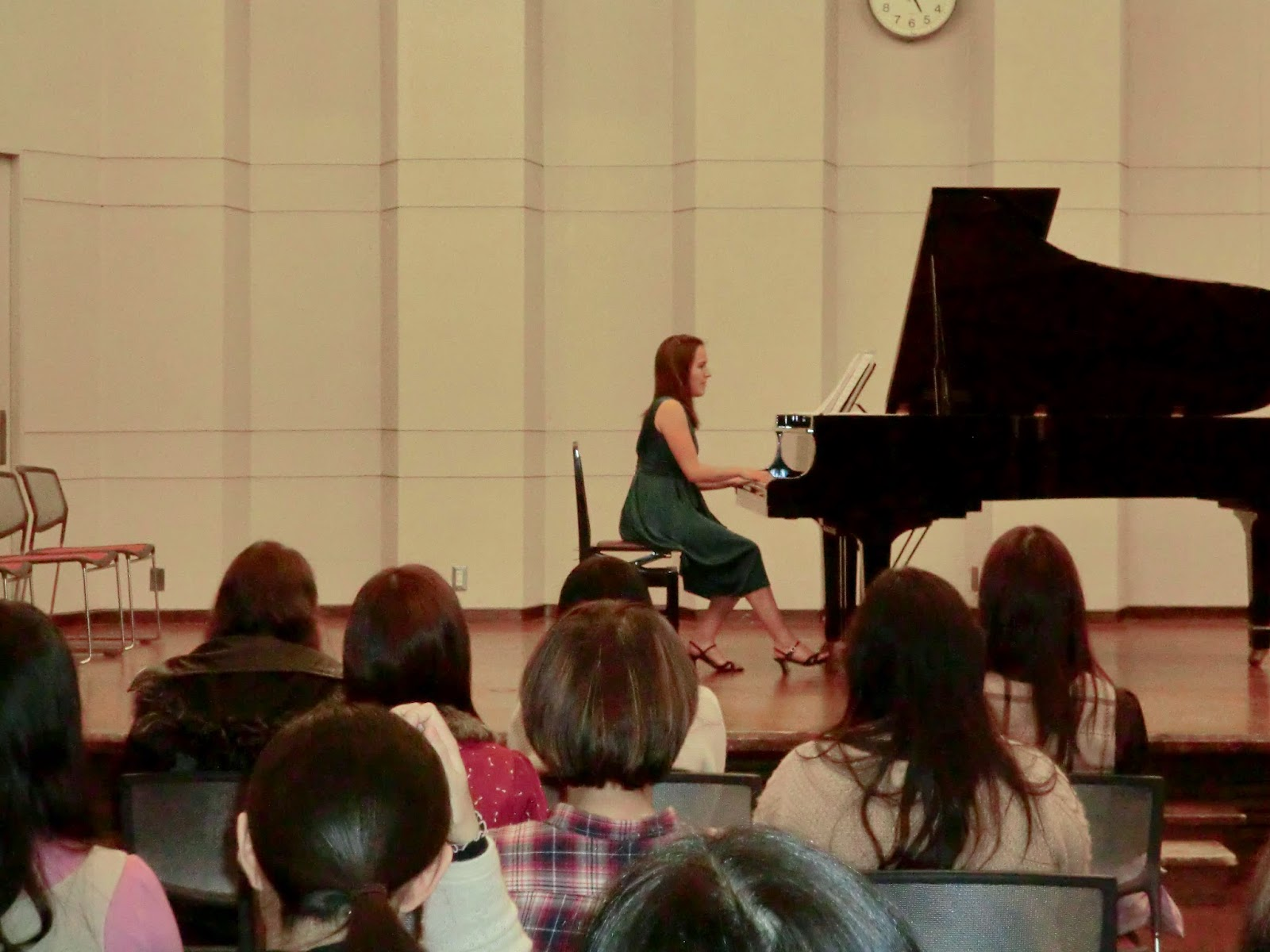 Kailey Performing in her Doshisha mini-Concert