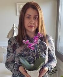 Con las orquídeas en flor...