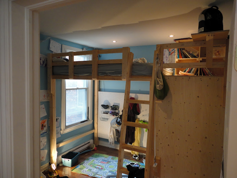 Diy loft bed plans with stairs furnitureplans for How to make a loft room