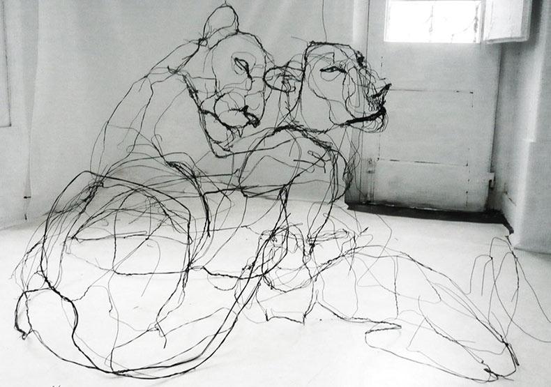 Esculturas de alambre que se parecen a dibujos de lápiz por David Oliveira