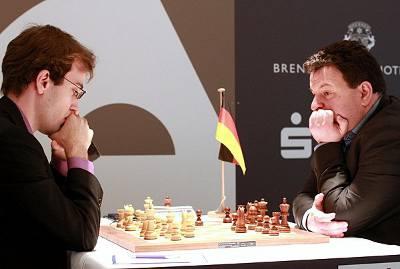 Echecs : Georg  Meier (2640) 1-0 Daniel Fridman (2667) au Grenke Chess Classic Baden-Baden 2013