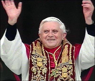 [Imagem: papa-bento-XVI1.jpg]