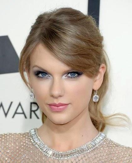 Gaya Rambut Taylor Swift Terbaru dan Cantik