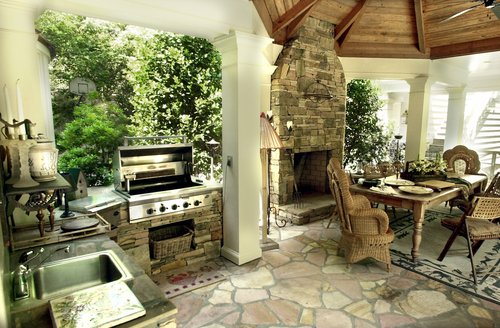 Outside kitchens for Indoor outdoor kitchen designs