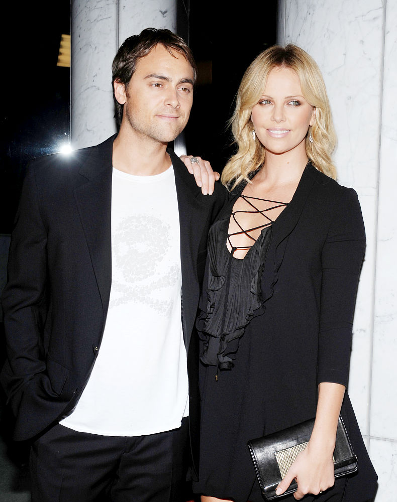 stuart townsend dating 2012 Is charlize theron dating eric stonestreet  2012 11:48am eric stonestreet and  broke off her engagement to irish actor stuart townsend in 2010.