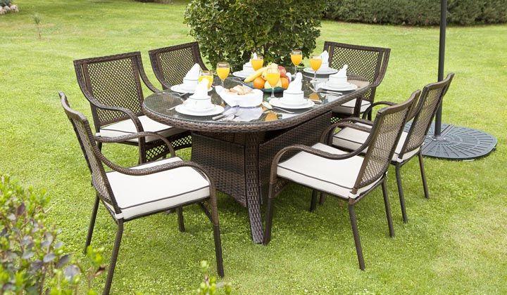 Bahçe ve teras için hasır mobilya modelleri