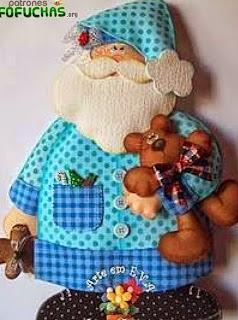 http://www.patronesfofuchas.org/2014/12/patrones-fofuchas-papa-noel-pijama.html