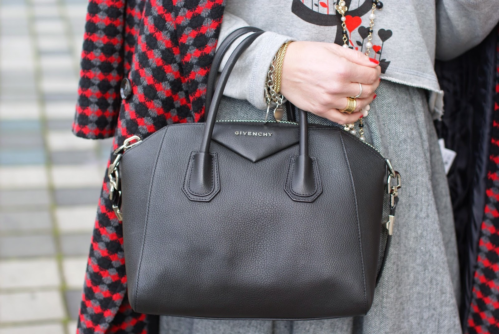 Givenchy Antigona small bag, Fashion and Cookies, fashion blogger, fashion blog