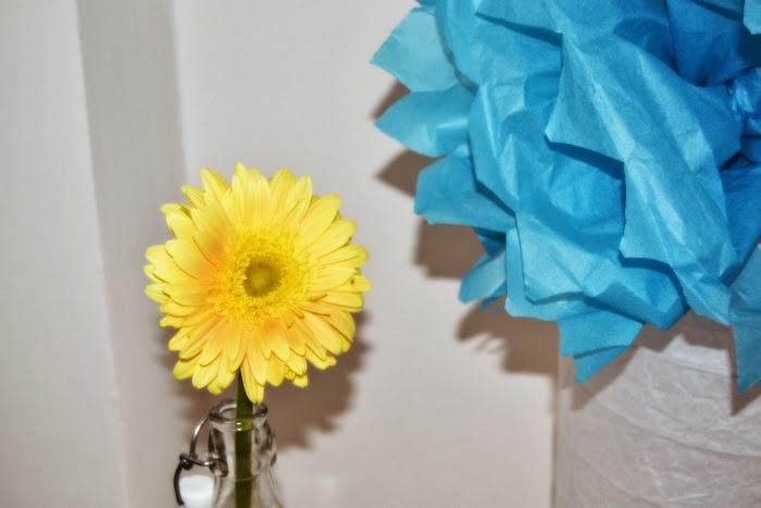 decoración_salon_ikea_guirnaldas_primavera_colores_alegre_nudelolablog_12