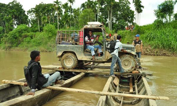 Foto - Transportasi Perahu di Pedalaman Aceh Utara - Aceh