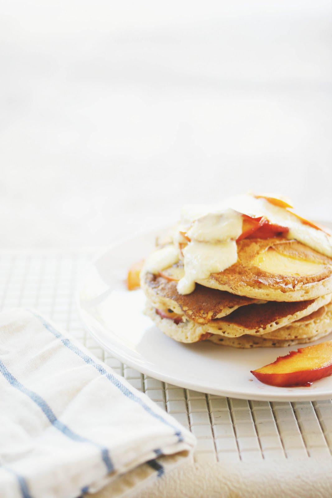 Une-deux senses: Spiced Peach Pancakes