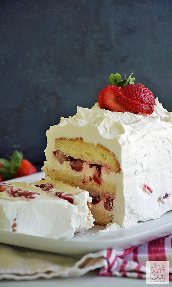 No Bake Strawberry Cake   by Life Tastes Good is perfect for summer, y'all. It is bursting with fresh, sweet strawberries sandwiched between layers of buttery cake, and all topped off with the sweet creamy goodness of whipped topping. Doesn't that sound amazing? But wait it gets better...