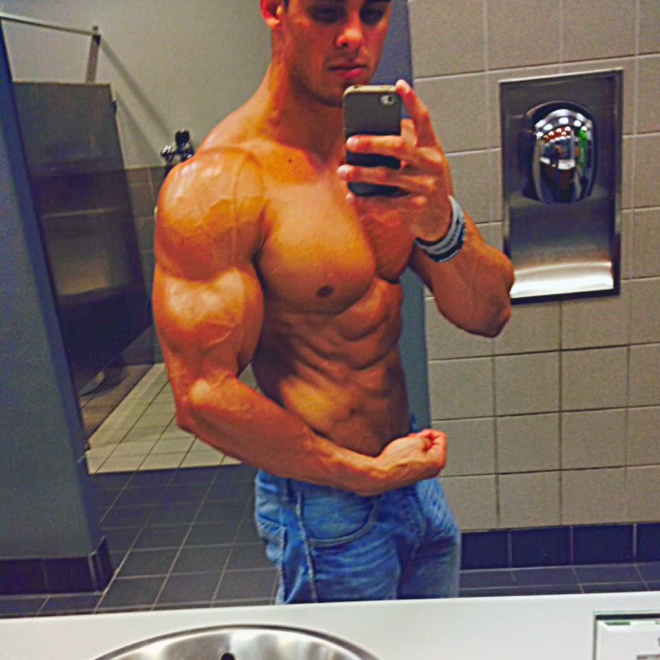 Daily Bodybuilding Motivation: More of the Uber Aesthetic Logan Franklin - Part A