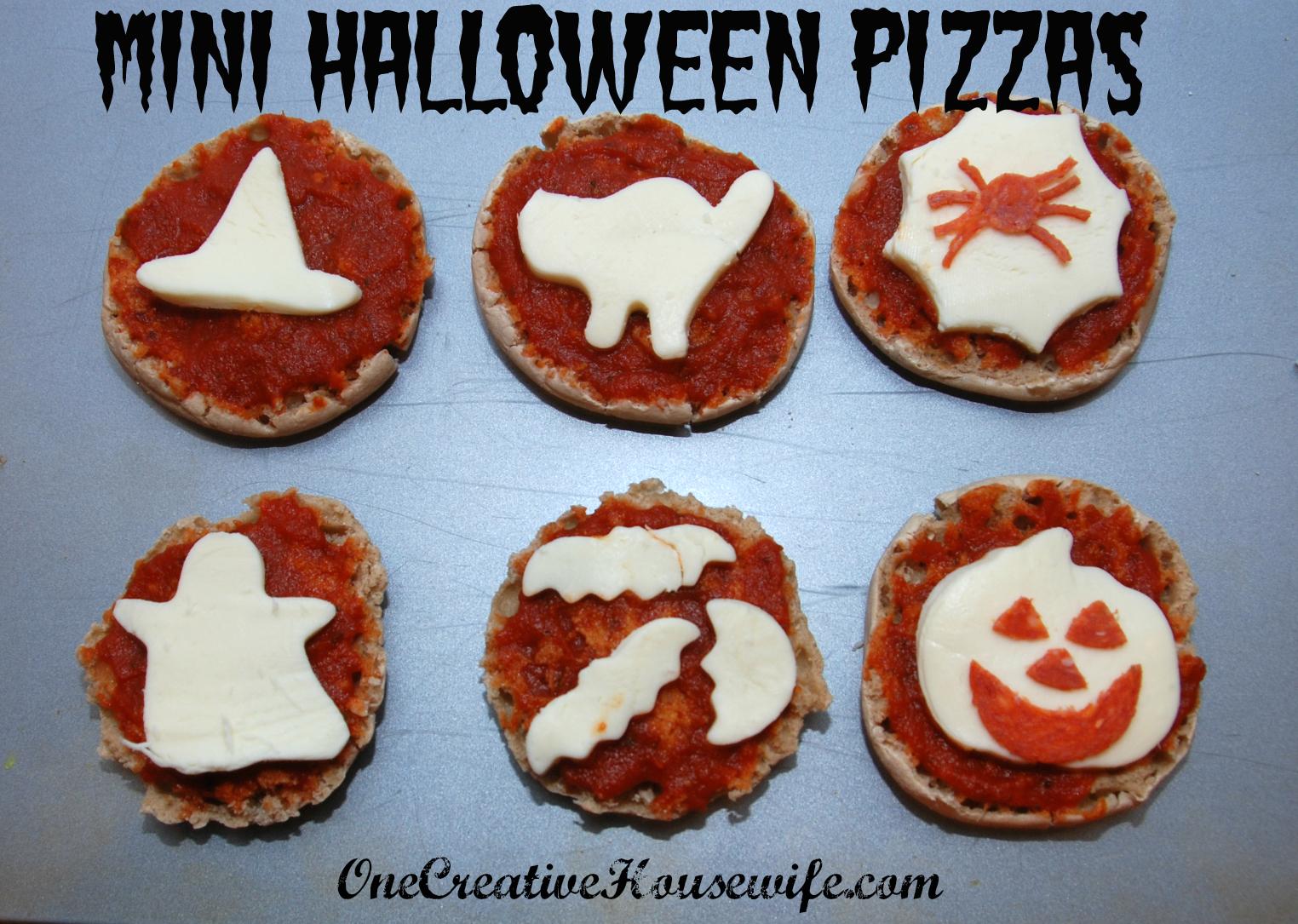One Creative Housewife: Mini Halloween Pizzas