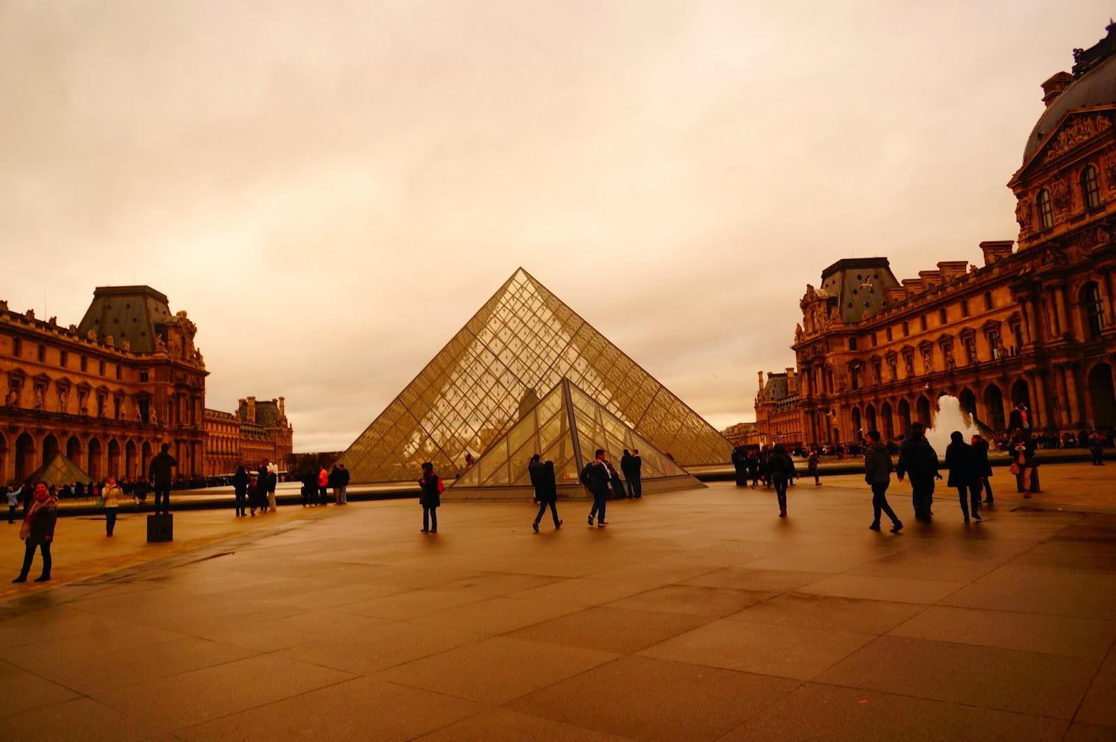 Лувр_Пирамида