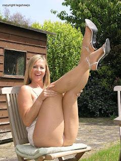 Horny and twerking - rs-45959_l-716238.jpg