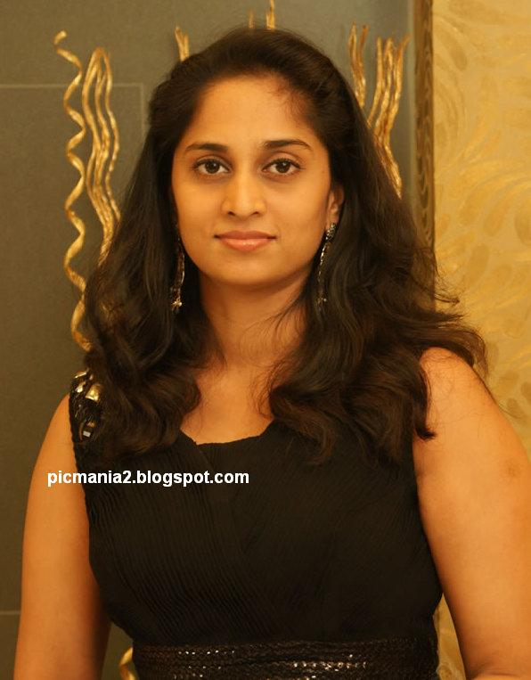 old actress ajith wife shalini navel