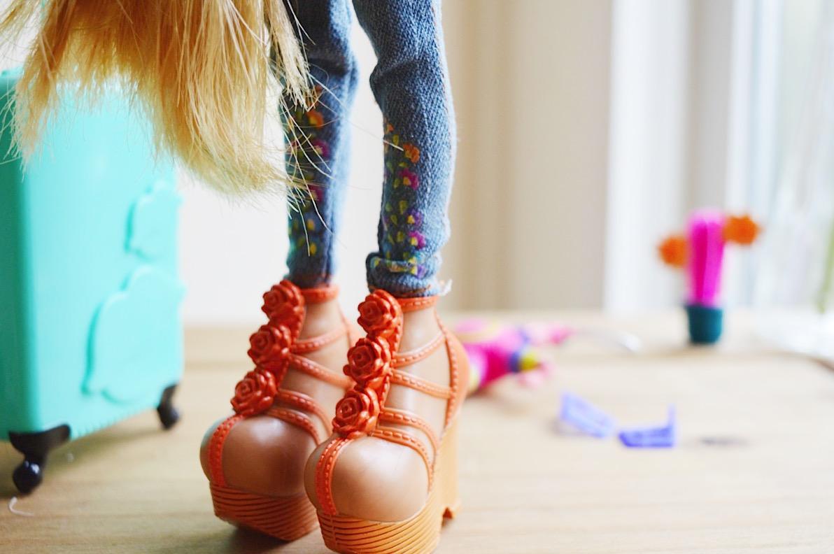 Bratz Study Abroad Raya in Mexico doll, FashionFake, lifestyle bloggers