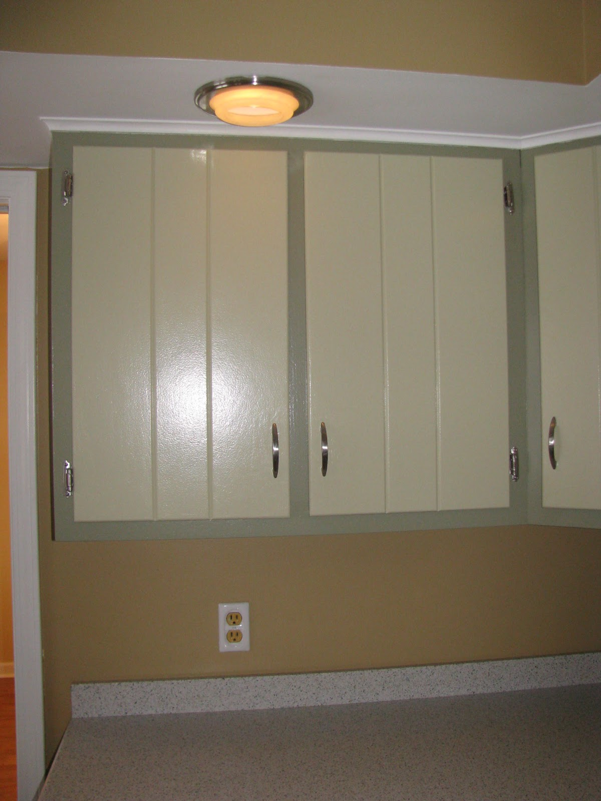 Flashback friday kitchen progress home everyday for Avocado kitchen cabinets