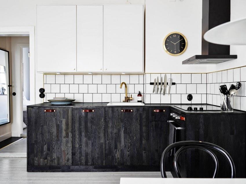 Piastrelle cucina bianche simple armadi e piastrelle for Piastrelle bagno bianche e nere