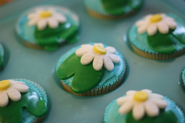 Lily Pad Cupcakes