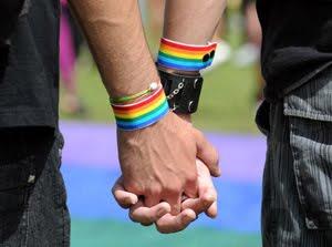 HOMOSEXUALIDAD: RESPETO SOCIAL, APARIENCIAS Y AUTOACEPTACIÓN