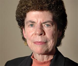 freira Margaret A. Farley