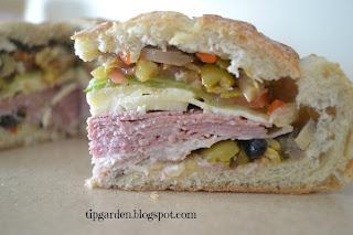 round bread sanwich