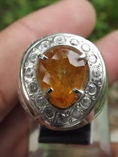 natural yellow sapphire