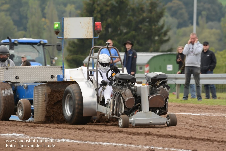 Tractor Pulling Motorcycle : Tractor pulling news pullingworld the new license