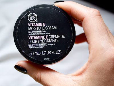 body shop vitamin e moisture cream review