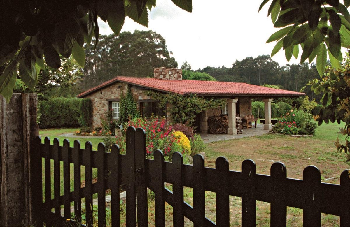 Construcciones r sticas gallegas casa n 14 for Casas minimalistas planta baja