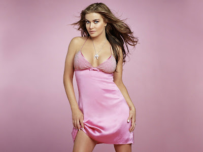 Carmen Electra Hollywood Actress Latest Hot Wallpaper/pictures 2013