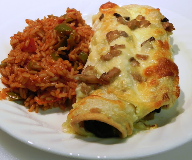 The Iowa Housewife: Spinach and Mushroom Enchiladas for 2