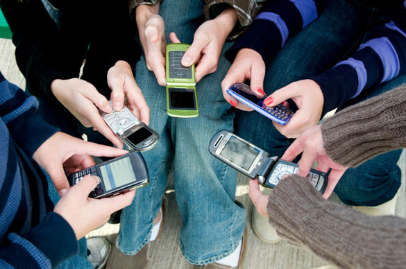 Teens Texting A 82
