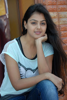 Monal Gajjar Spicy New Actress