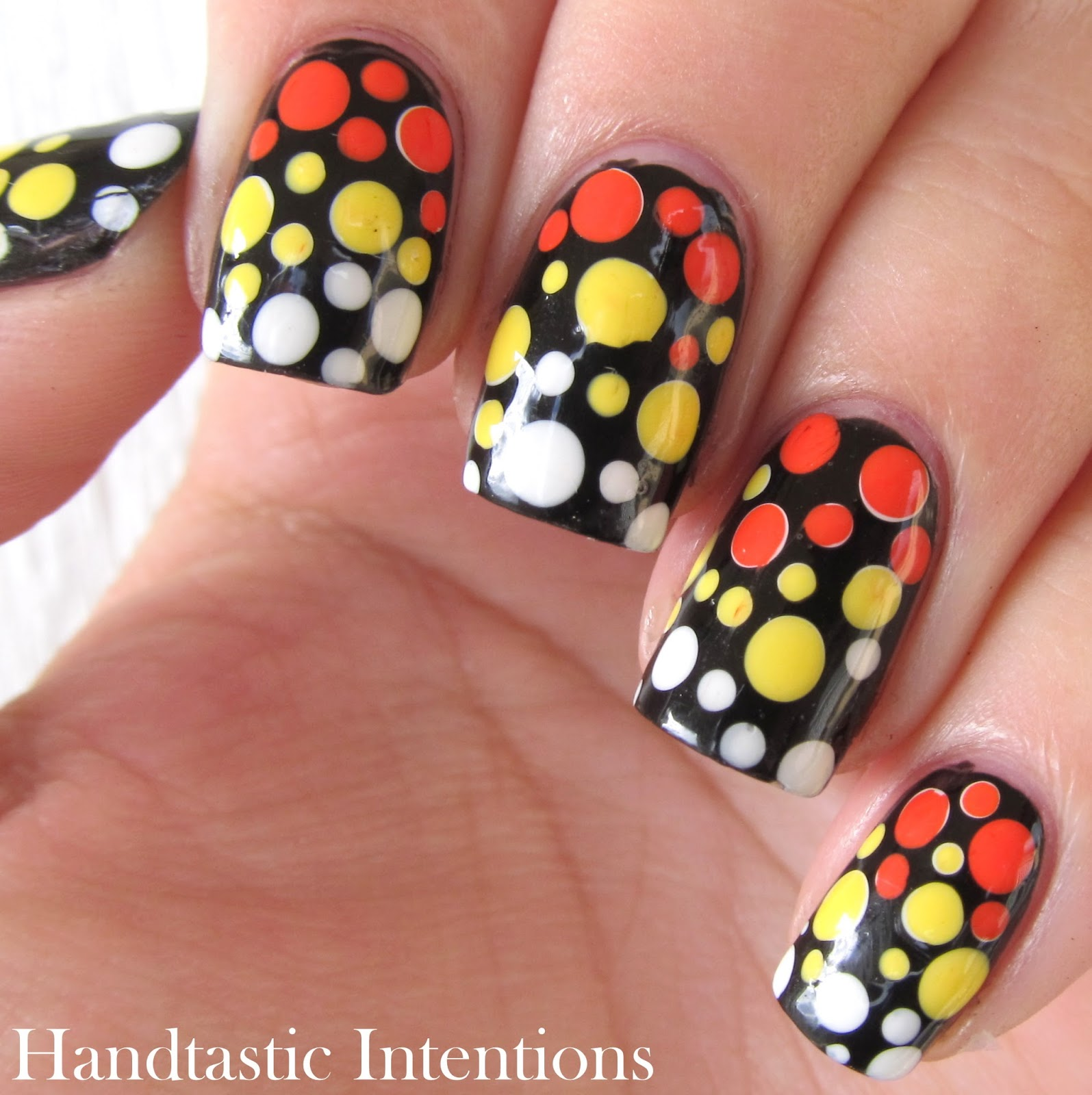 Easy-Candy-Corn-Nail-Art